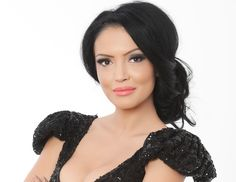 Romanian Women, How To Wear, Dark Hair, Google, Black Hair, Ombre Hair, Navy Hair, Brunette Hair
