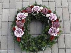 "Képtalálat a következőre: ""dušičkový věnec"" Floral Wreath, Wreaths, Home Decor, Homemade Home Decor, Flower Crowns, Door Wreaths, Deco Mesh Wreaths, Interior Design, Home Interiors"