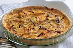 Cibulovo-sýrový quiche | Apetitonline.cz Appetizer Recipes, Appetizers, Apple Pie, Nutella, Baking Recipes, Quiche, Macaroni And Cheese, Food And Drink, Pizza