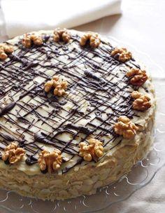 Diótorta zabpehelyliszttel Gf Recipes, Low Carb Recipes, Cake Recipes, Hungarian Desserts, Hungarian Recipes, Cake Frosting Recipe, Frosting Recipes, Torta Recipe, Torte Cake