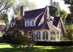 fairytale cottage © by Lizzie~Belle, via Flickr