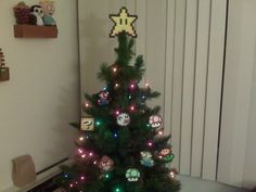 Super Mario Bros Perler Bead Star Christmas Tree Topper & Ornaments... why didn't we think of this??