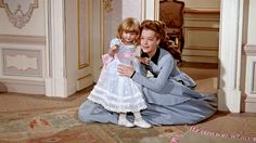 Romy Schneider as Empress Sissi with Sophie her daughter Sissi Film, Sydne Rome, Empress Sissi, Kaiser Franz, Dance Movies, Princess Movies, Dress Sites, Theatre Costumes, Estilo Retro