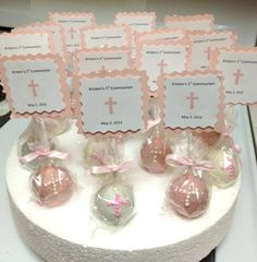 Baptism Cake Pops Love the crosses on the pops