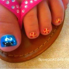 Cookie monster nailsfound on ilovepinknails.com