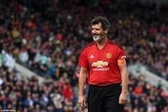 Keane gives a wry smile after being denied his goal in the shootout Manchester United Legends, Manchester United Football, Roy Keane, Kareem Abdul Jabbar, Esquire, Goal, The Unit, Smile, Sports