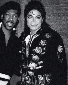 Eddie Murphy trying to look as cute as Michael Jackson and it not happening Invincible Michael Jackson, Michael Jackson Bad Era, The Jackson Five, Jackson Family, Mike Jackson, Oprah Winfrey, Eddie Murphy, Paris Jackson, King Of Music