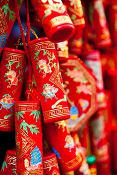 chinese new year decoratitons - fire crackers &&&&&......http://es.pinterest.com/stjamesinfirm/ancient-cultures-asia-kimono-hanfu-cheongsam-qipao/