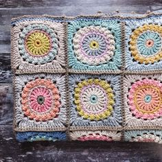 Milla Magic crochet square blanket - by Magda De Lange - on IG Crochet Square Blanket, Crochet Blocks, Granny Square Crochet Pattern, Crochet Squares, Crochet Granny, Crochet Blanket Patterns, Crochet Motif, Crochet Home, Love Crochet