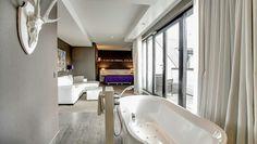 Van der Valk Apeldoorn De Cantharel Comfort deluxe suite   openbathroom