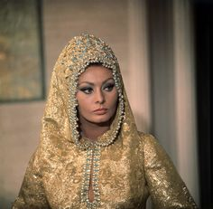 Vintage 60s Film Style: Arabesque with Sophia Loren (1966) | Penny Dreadful Vintage
