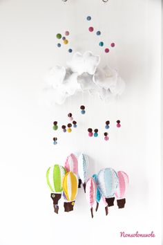 Decorazioni per la cameretta dei bambini: mongolfiere in feltro fatte a mano by nonsolonuvole.it House And Home Magazine, Diy Projects To Try, Summer 2014, Dream Catcher, Activities For Kids, Baby Kids, Kids Room, Crafty, Garlands