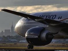 Boeing 777-2Q8/ER aircraft picture