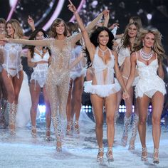 Everything You Need to Know About the 2014 Victoria's Secret Fashion Show http://www.harpersbazaar.com/fashion/fashion-models/victoria-secret-fashion-show-2014?src=spr_FBPAGE