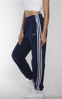 "Vintage Adidas Fleece Track Pants : Vendor: Frankie CollectiveType: BottomsPrice: 48.00 Vintage Adidas fleece-lined trackpants MeasurementsSize: SWaist: 28""Outseam: 40"" Inseam: 29.5""Condition:Pilling"