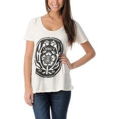 Go au naturel in the Flower Power dolman sleeve tee shirt for girls from Obey clothing. This comfy dolman sleeve tee shirt has a wide loose fit and scoop neckline. The front graphic is a stencil style spray paint black Flower Power graphic with the Obey giant star and 1989. The natural white colorway is a mineral wash dye and is super soft for ultimate comfort.