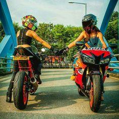 Meet and greet. Biker Girl, Sport Bikes, Bicycle, Guys, Vehicles, Motorcycles, Women, Bikers, Photoshoot Ideas