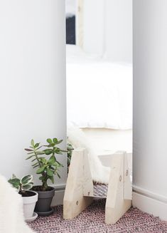 DIY Minimal Floor Mirror @themerrythought
