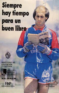 Siempre hay tiempo para un buen libro / Foto : Horacio Olivera(1991)