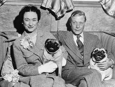 the Duke and Duchess of Windsor with some of their many pugs #pugs