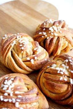 World's most beautiful cinnamon. Sweet Recipes, Cake Recipes, Finnish Recipes, Tasty Pastry, Sweet Coffee, Good Food, Yummy Food, Sweet Bakery, Sweet Pastries