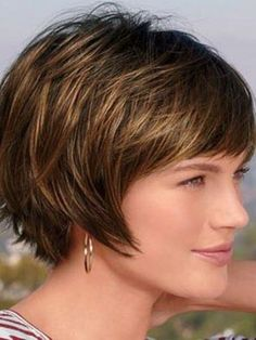 Soft Short Hairstyles for Older Women Above 40 and 50-2: