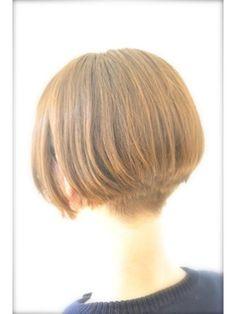 刈り上げ 髪型 女のヘアスタイルまとめ。ショートボブで襟足を少し刈り上げて、スッキリとした首が綺麗...など。よく検索されるキーワードから探すヘアスタイルのまとめ。人気のキーワードから今流行のヘアスタイルを知ろう!