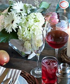 HOW TO: Host a Friendsgiving Party #howto #thanksgiving