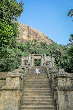 Sri Lanka Ayurveda Paradise Maho Ayurveda Kur Yapahuwa Königsstadt Sri Lanka, Ayurveda Kur, Travel Memories, Culture Travel, Where To Go, Travel Guides, Mount Rushmore, Travel Inspiration, Cities