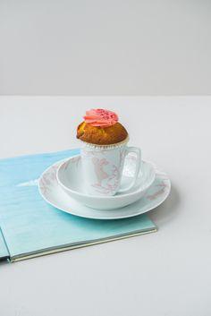 En fin gave til den som er ny i livet! Alv barnesett i porselen finnes i lys blå og dus rosa i alle våre butikker. <3