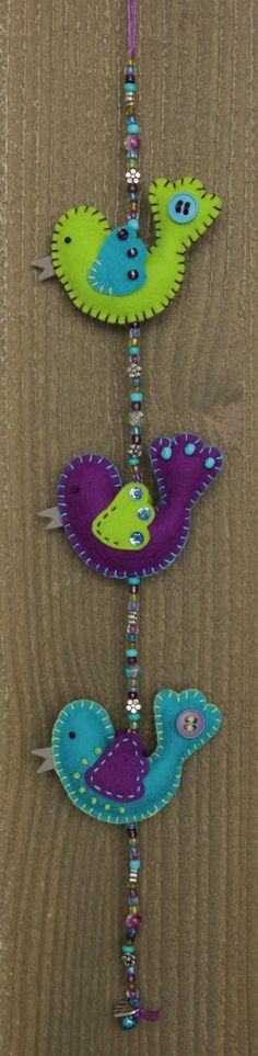 Felt bird decoration MiniLuckybird garland door StudioSimone, €15.00