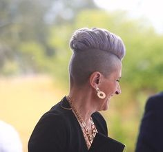 Blonde Updo, Mohawk Hairstyles, Going Gray, Grey Hair, Dares, Older Women, Shaving, Short Hair Styles, Hair Cuts