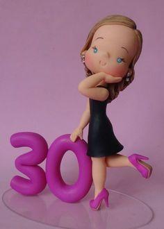 Bonequinha personalizada para topo de bolo de festa de aniversário ou para homenagear alguém querido.