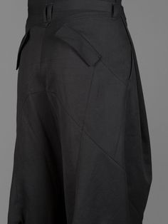 JULIUS MA_ DROP CROTCHED TAILORED TROUSERS :: DETAIL Tailored Trousers, Trousers Women, Low Crotch Pants, High Fashion, Mens Fashion, Fashion Studio, Menswear, Fasion, Drop