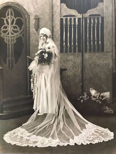Vintage 1920s Stunning Wedding Picture Bridal 10 x 13 Unusual Gown Lots of Lace
