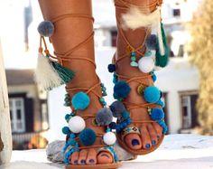 Pom pom sandalias sandalias de cuero griego Boho chic