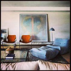 'Paulistano' chair by Paulo Mendes Da Rocha and Ligne Roset 'Togo' sofa Home Living Room, Living Room Decor, Living Spaces, Living Area, Interior Design Inspiration, Room Inspiration, Casa Pop, Home Decoracion, Paulistano