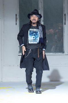 Sfilata Yohji Yamamoto Paris Moda Uomo Primavera Estate 2015 - Vogue