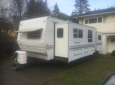 Trailer is a 2001 Forest river It is 28 feet including the tongue. way fridge burner stove with oven -microwave -air conditioning -new hot water heater hydrolic slides (bedro Used Victoria, Forest River, Recreational Vehicles, Camper, Campers, Single Wide