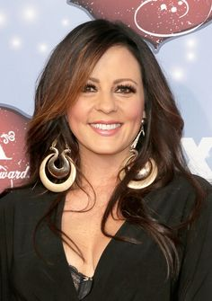 Sara Evans - Arrivals at the American Country Awards — Part 2
