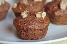 Tak jsem se nenechala odradit prvním ne moc úspěšným pokusem upéct muffiny, i když v jeden moment to vypadalo, že muffinovou formu vyhodím. ...
