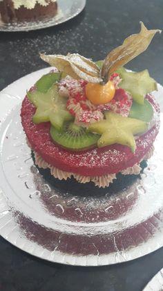 Red and blue velvet nacked cake