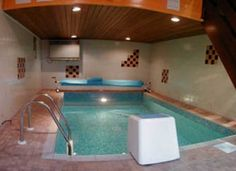 Large Holiday Cottage for Holidays and Celebrations in The Peak District, Derbyshire