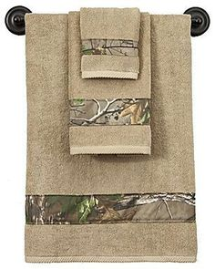 Bass Pro Shops® Realtree Xtra® Green - Camouflage Bath Towels from Bass Pro Shops. Saved to Our new home. Camo Bathroom, Bathroom Towels, Bath Towels, Camo Home Decor, Camouflage, Camo Rooms, Bath Decor, Room Decor, Country Decor