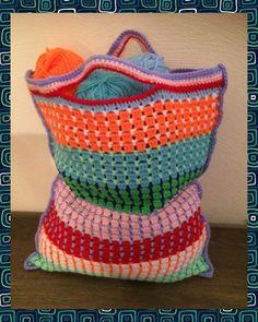 De Strooisteek of Bloksteek - Breiclub. Crochet Stitches, Knit Crochet, Crochet Patterns, Crochet Things, Crochet Bags, Chrochet, Diy Notebook, Crochet Clothes, Diaper Bag