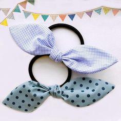 minne Bow Tutorial, Ribbon Hair, Scrunchies, Crochet Flowers, Hair Pins, Blue Bow, Creations, Bows, Hair Accessories