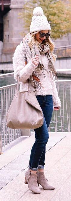 #winter #fashion /  White Beanie + Pink Knit + Navy Jeans