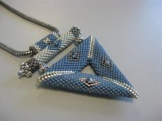 Karin's blog, jewelry creatives: Pendant Triangle Denim