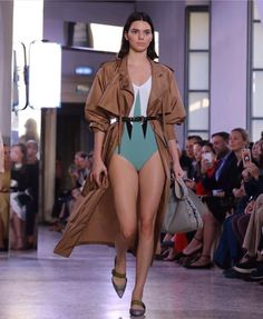 """255k Likes, 488 Comments - Kris Jenner (@krisjenner) on Instagram: """"Gorgeous @kendalljenner walking for @bottegaveneta #bottegaveneta #mfw #ss18 #proudmama #milan…"""""""