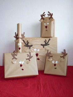 Bueno rebuscadores en esta ocasión os comparto una idea muy original para hacer vuestros regalos de navidad aún más especiales: Envoltorios de renos.  Foto: LI